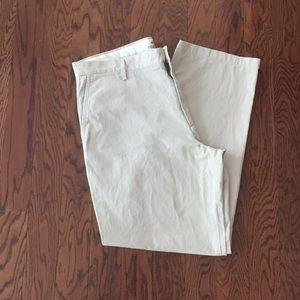 Nearly new men's dockers pants